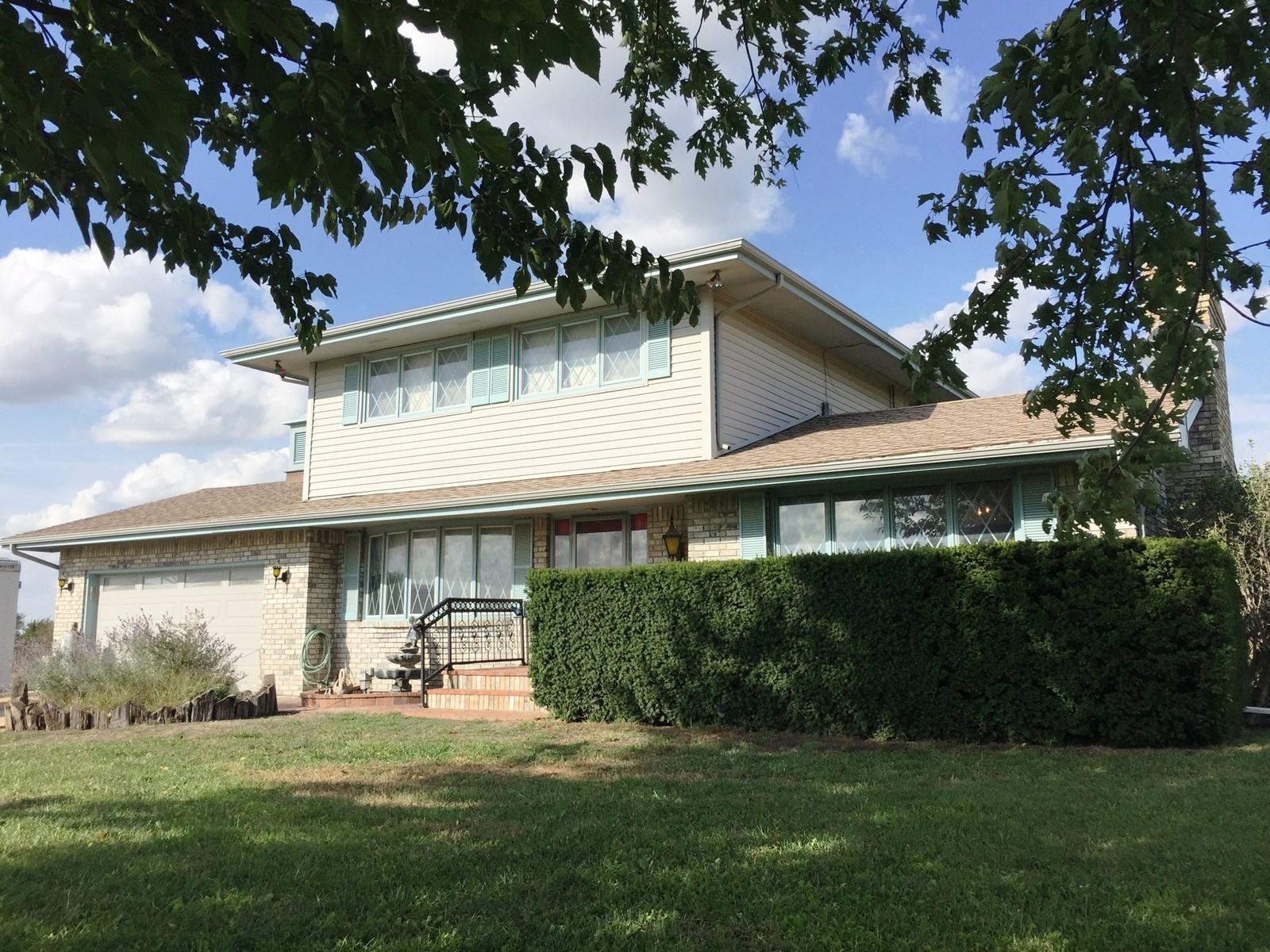 2 STORY HOME,  9.57 ACRES, GREAT LOCATION, WICHITA, KS