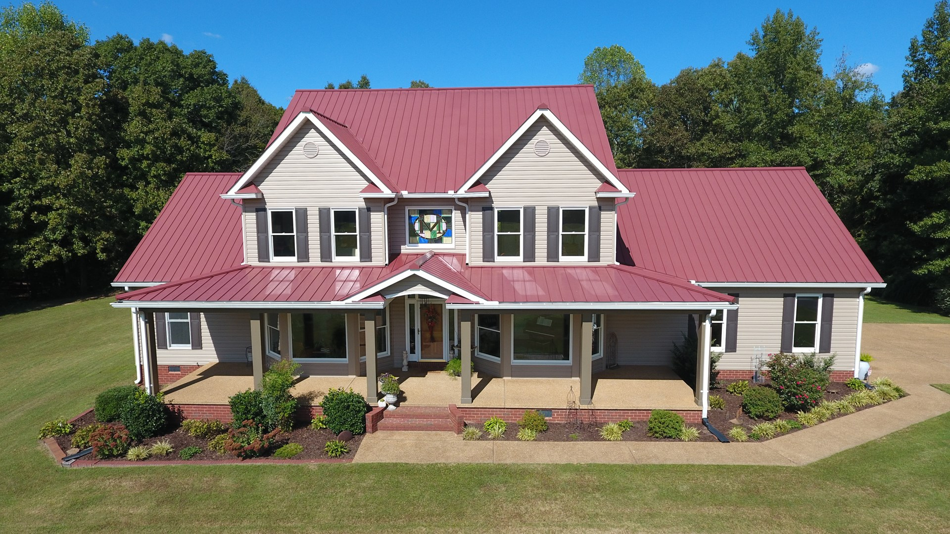 Henderson County TN Custom home for Sale on 10 green acres