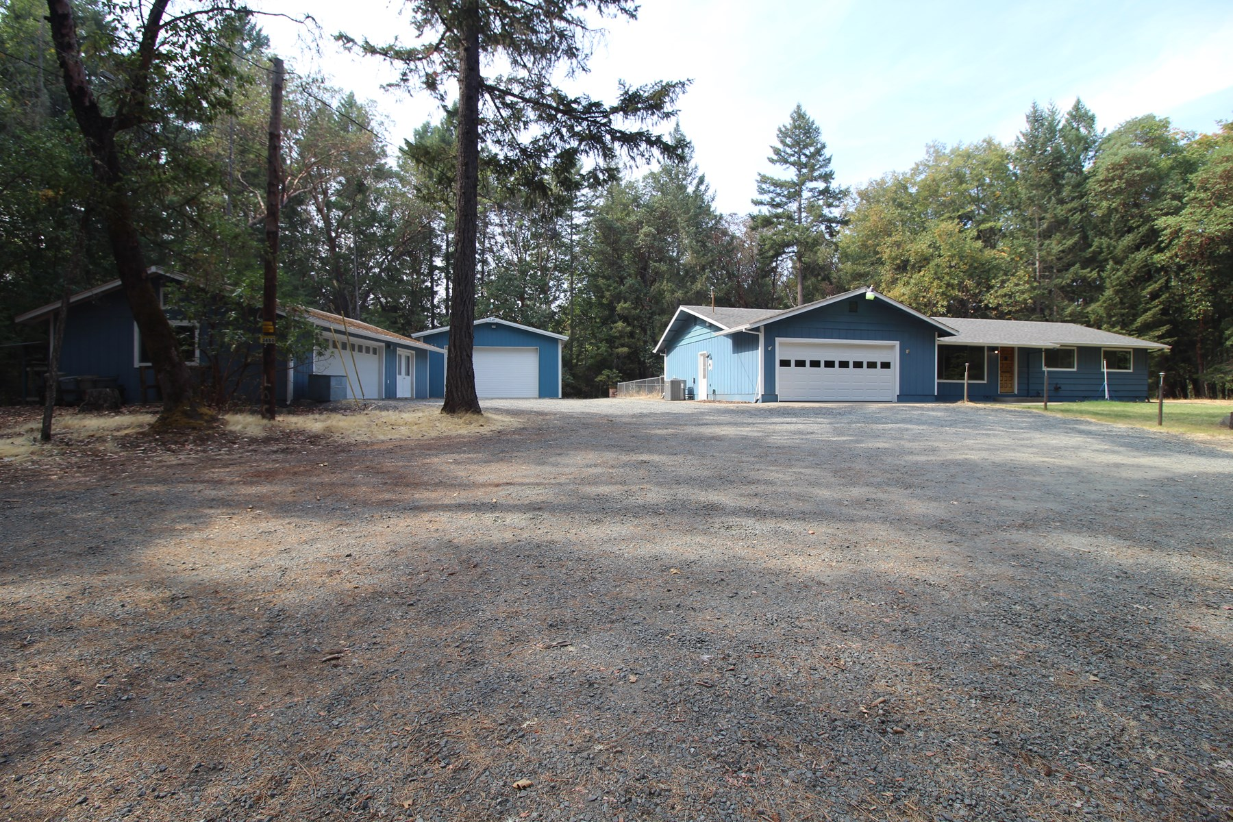Bautiful 2.5 Acre Property in Southern Oregon
