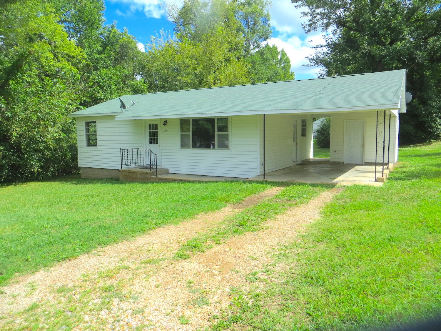 Home for Sale in Mammoth Spring, Arkansas