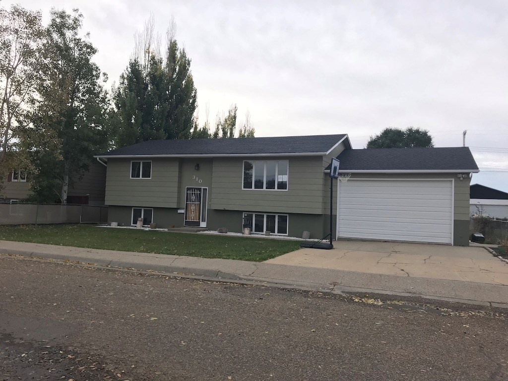 Family home for sale in Glendive, MT - Online Auction!