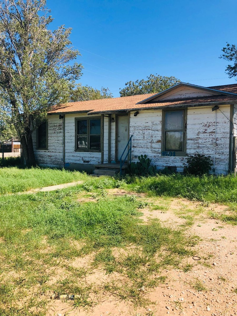 INVESTMENT PROPERTY IN BIG SPRING!!