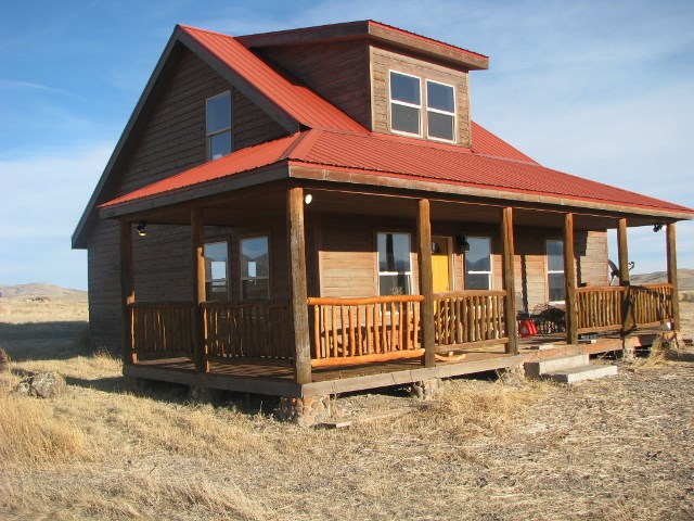Country Home on Acreage For Sale in Del Norte, CO