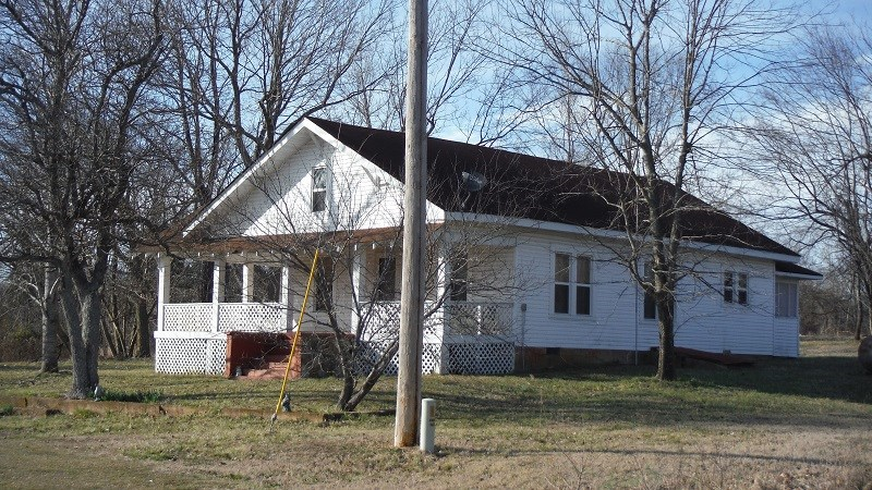 COUNTRY LIVING IN SOUTHEAST MISSOURI OZARKS FOR SALE!