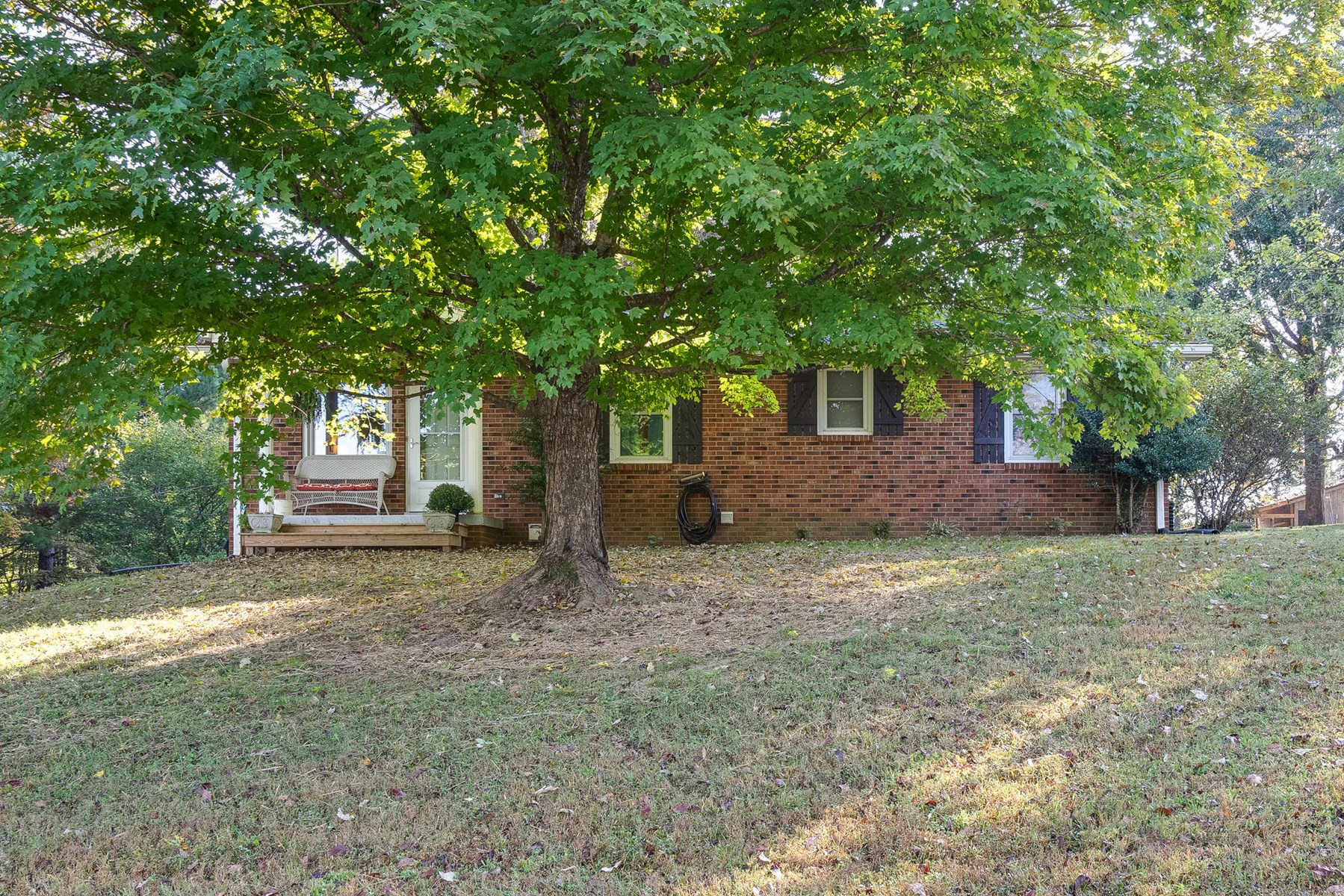 Bon Aqua, Tennessee Dickson County Country Hoe with Acreage