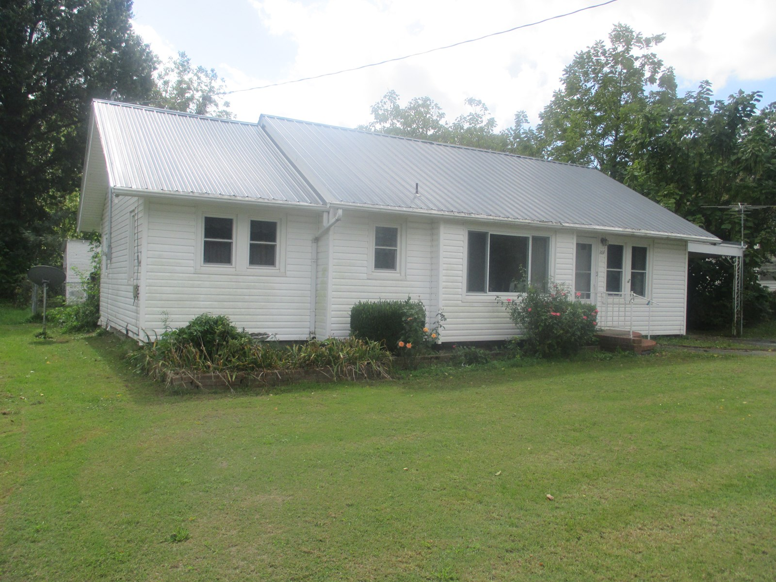 Home For Sale in Golden City, Mo.