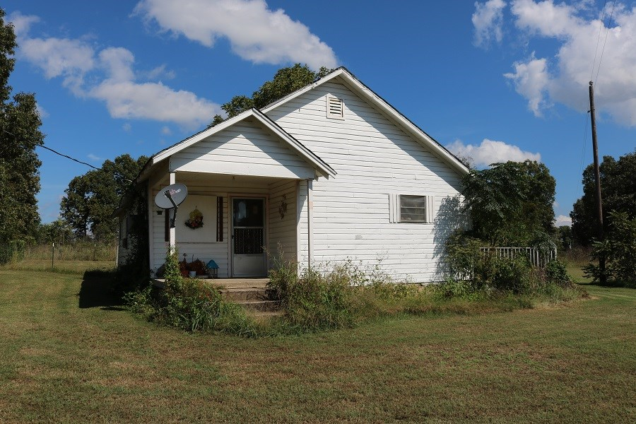 HOME FOR SALE WITH ACREAGE IN ZION, ARKANSAS