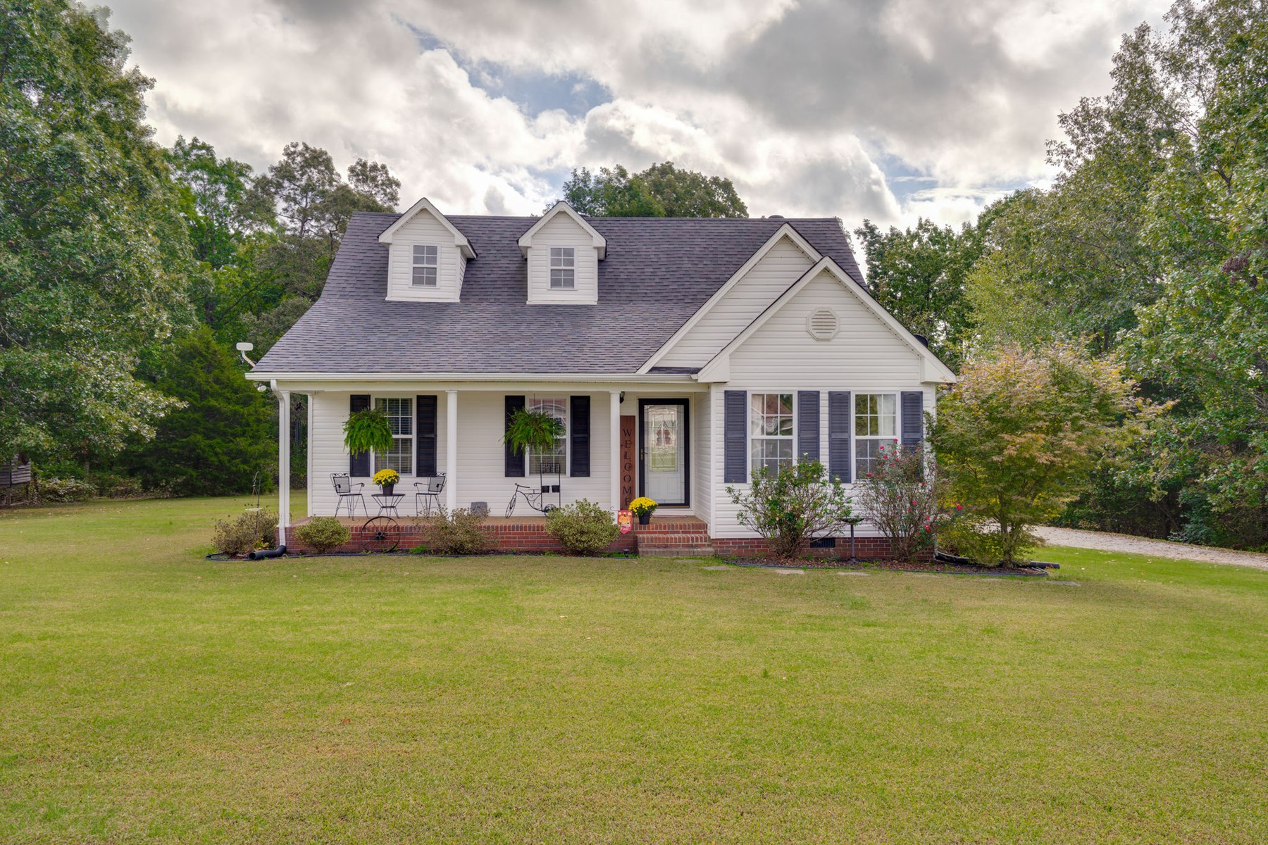 Hohenwald, Tennessee Lewis County Country Home with Acreage