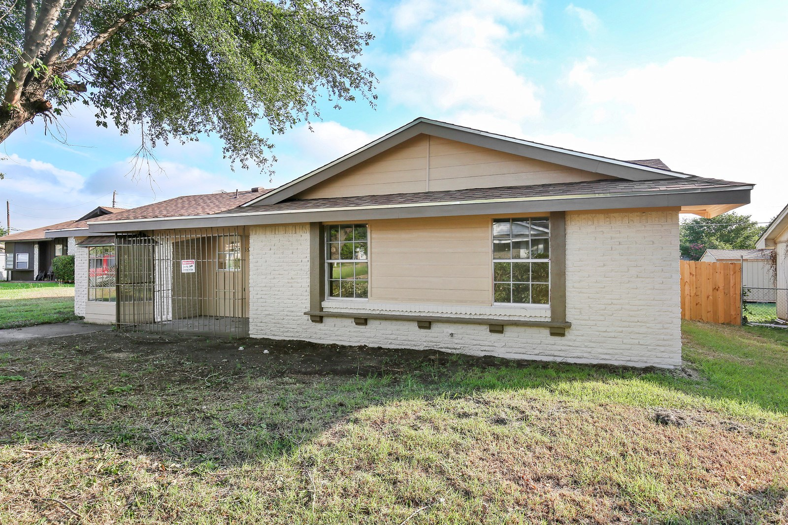 Home for Sale in Dallas TX Online Auction Live Auction