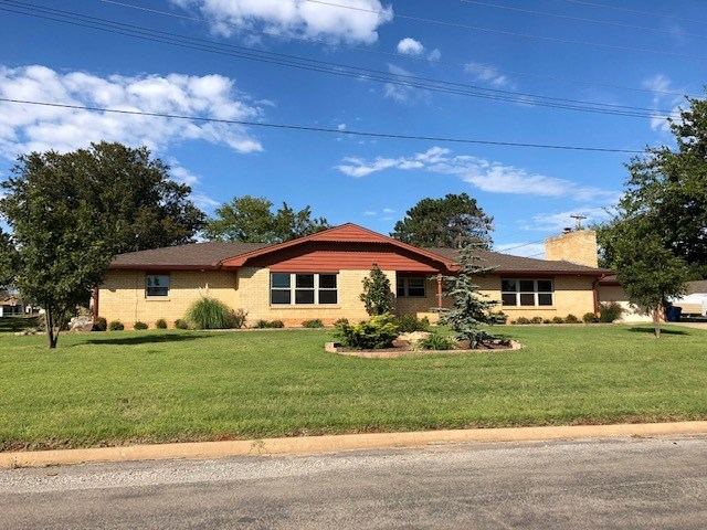 House for Sale in Cordell, OK, Washita County