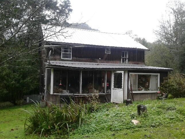 30 Acres with 2 Story Home & Free Gas APO