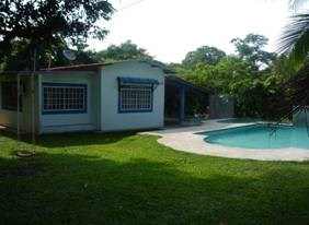 Beach house with swimming pool in San Carlos PANAMA