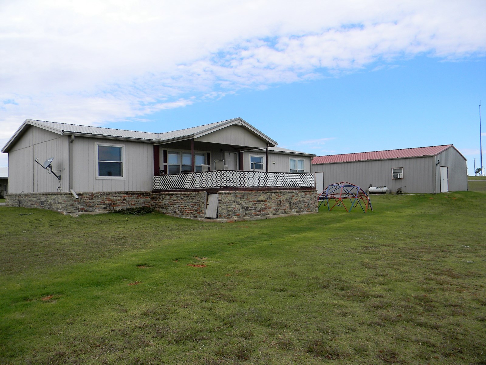 Foss Lake Property to Auction, Foss, OK