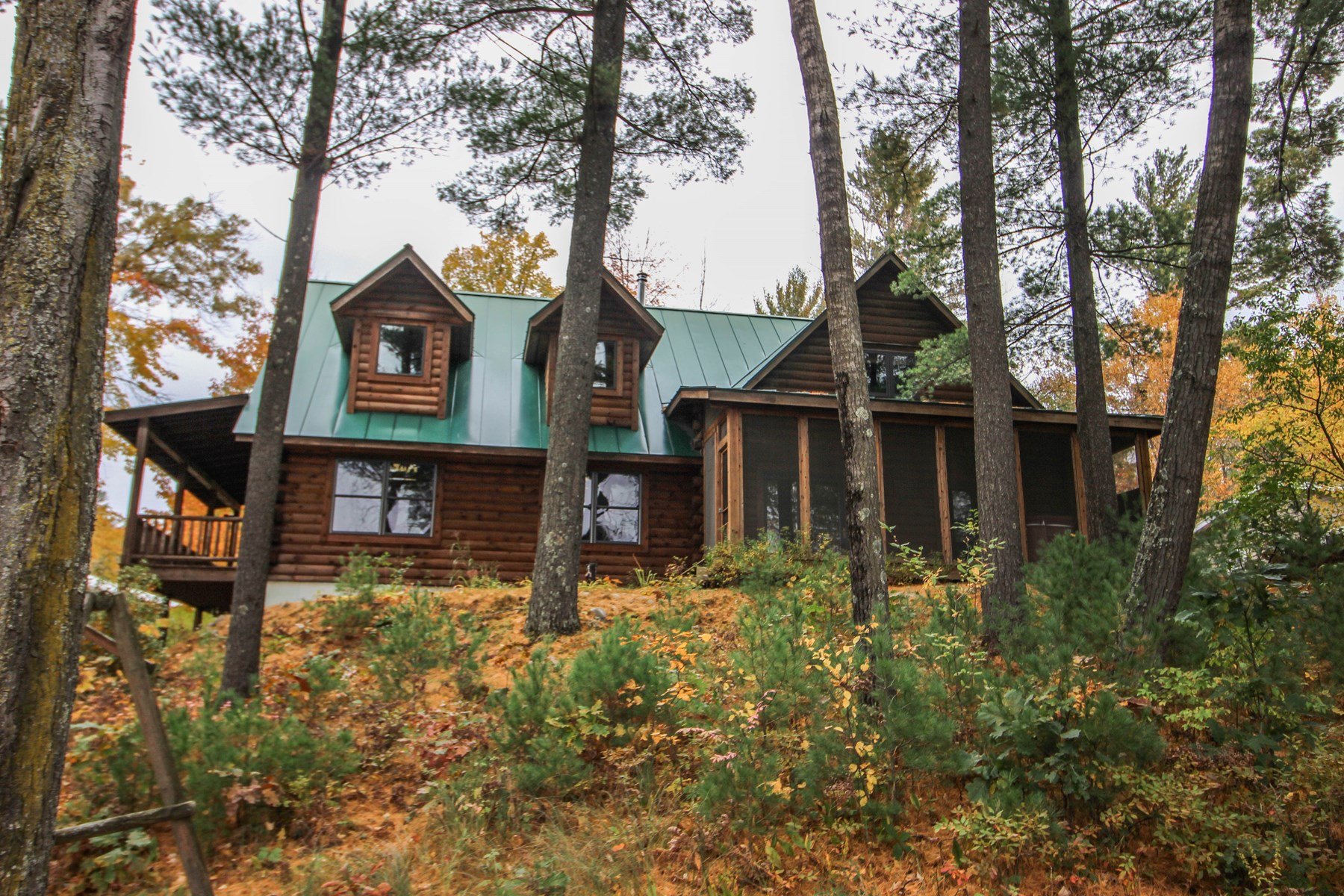 Log Home for Sale on Bailey Lake in Waupaca WI