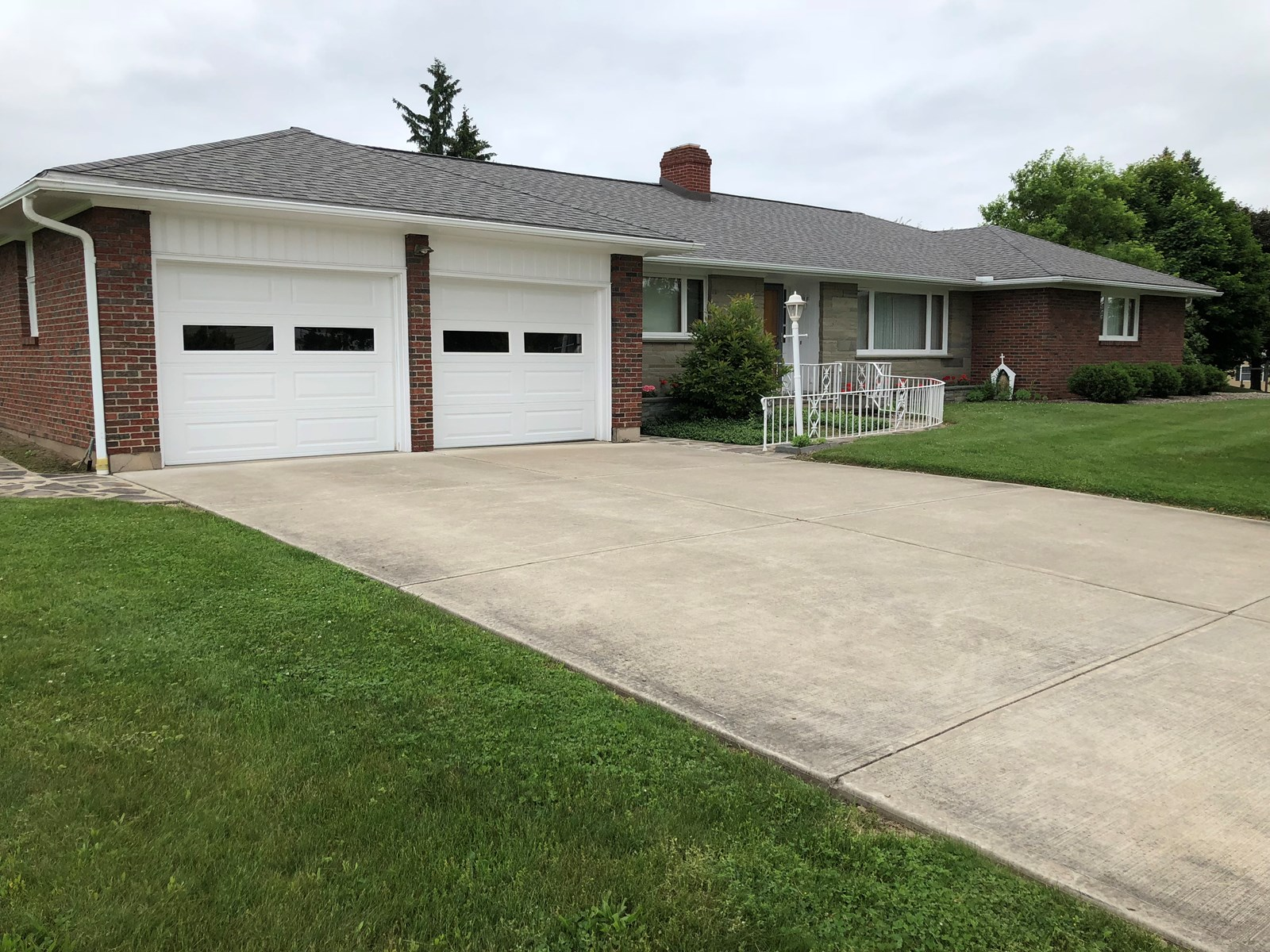 BEAUTIFUL BRICK RANCH IN TOWN, VILLAGE OF WAVERLY, TIOGA CTY