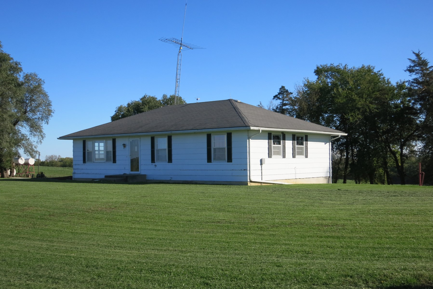 Small Acreage with Home in Northwest Missouri