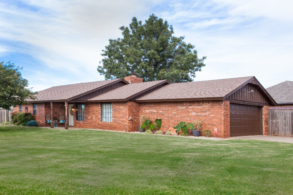 Home for Sale, Clinton, OK Custer County