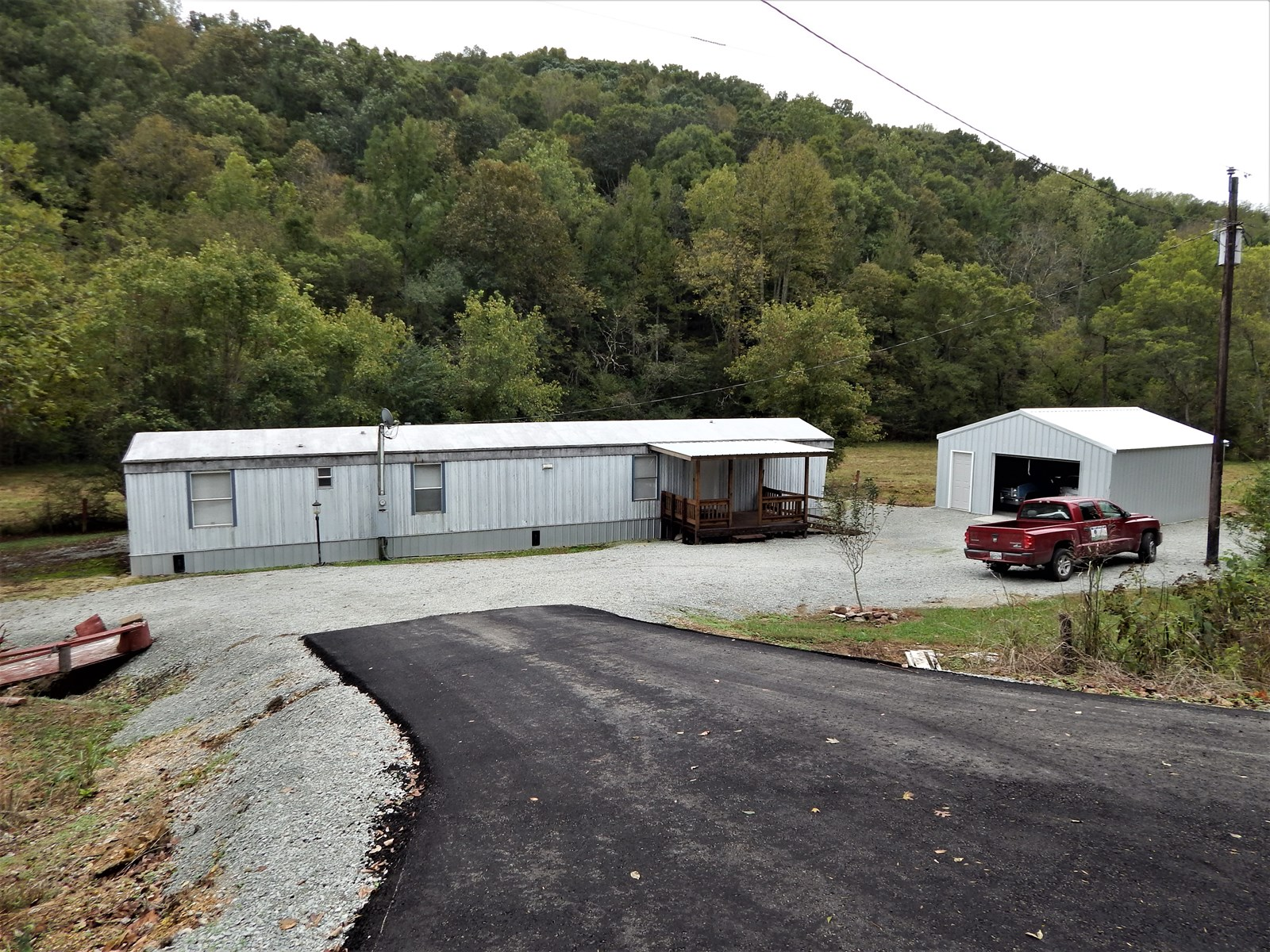 (SOLD!)  TN COUNTRY MOBILE HOME, 2.03 ACRES AND A CREEK