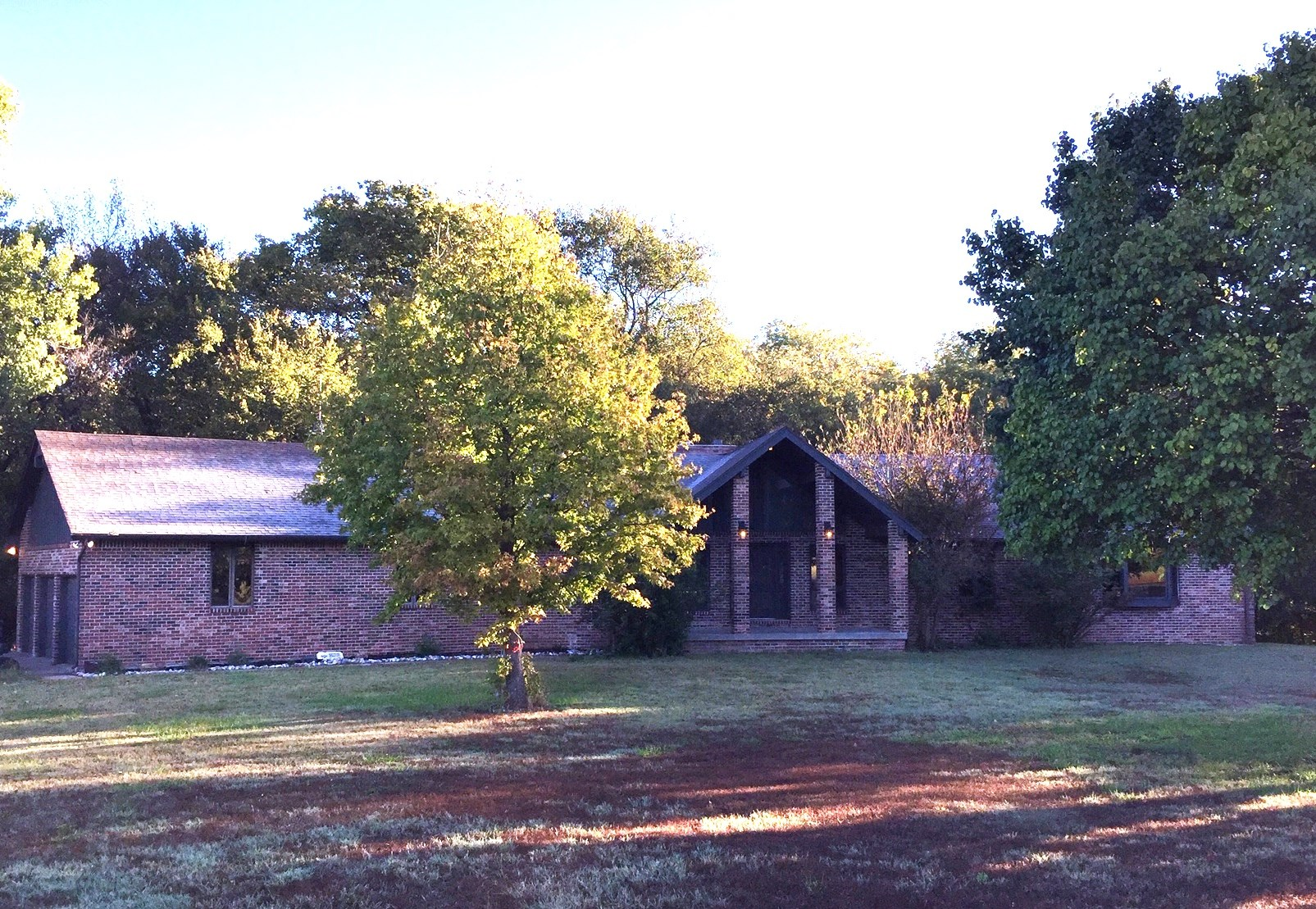 COUNTRY HOME, 5 BEDROOM, 3.5 BATH ON 10.5 ACRES, AUGUSTA, KS