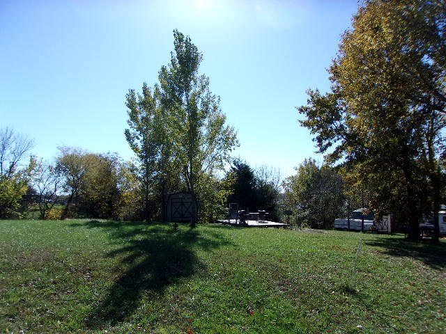 Tier lot for sale at Lake Thunderhead in North Missouri