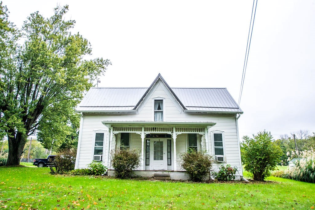 1900s Farmhouse for Sale| Unionville, IN