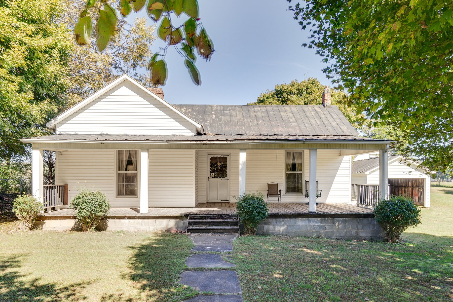 Hohenwald, TN Lewis County Historic Country Home For Sale