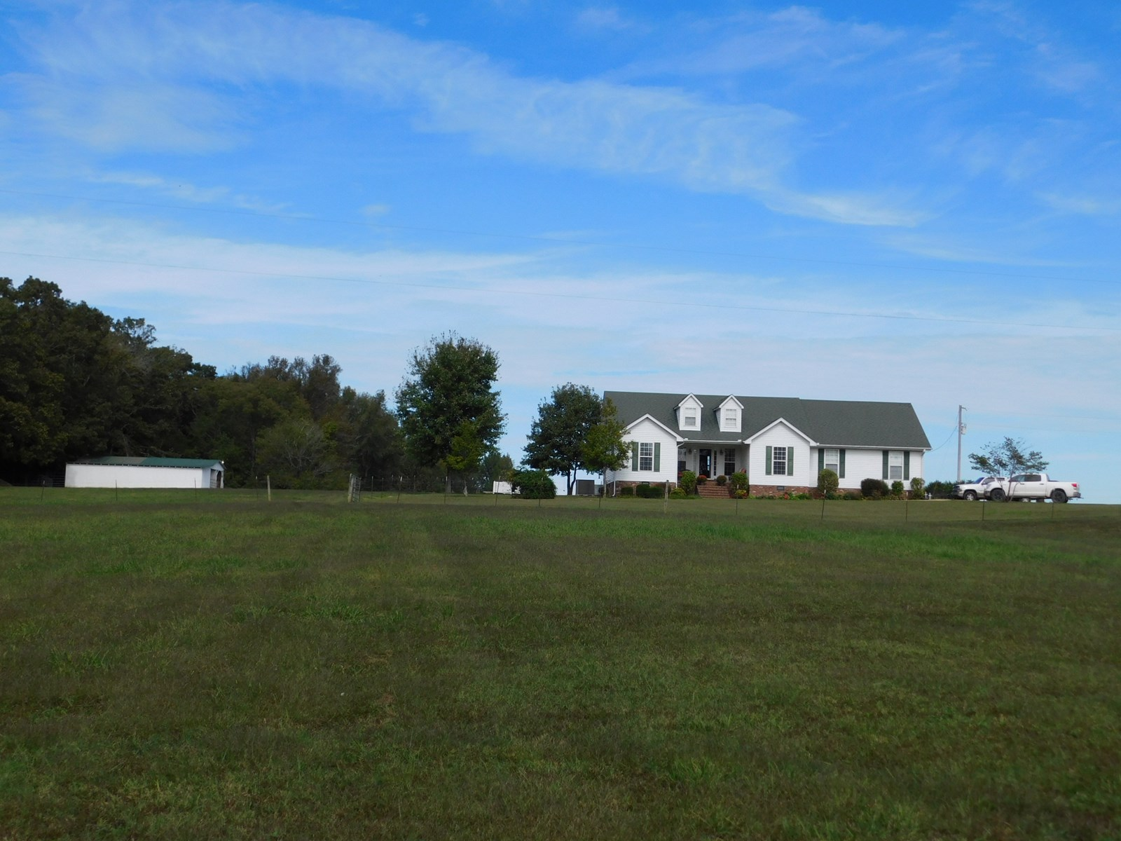 FARM FOR SALE IN TN WITH PASTURE, POND, BARN, FENCING