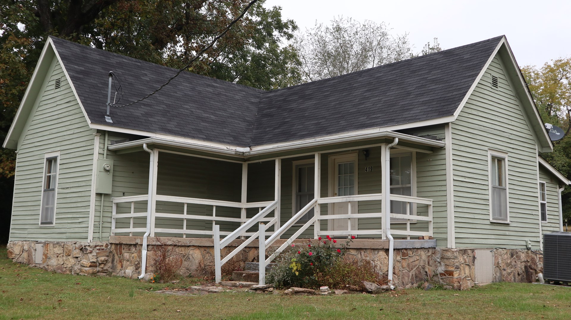 Older Ozarks Home for sale in Salem Arkansas