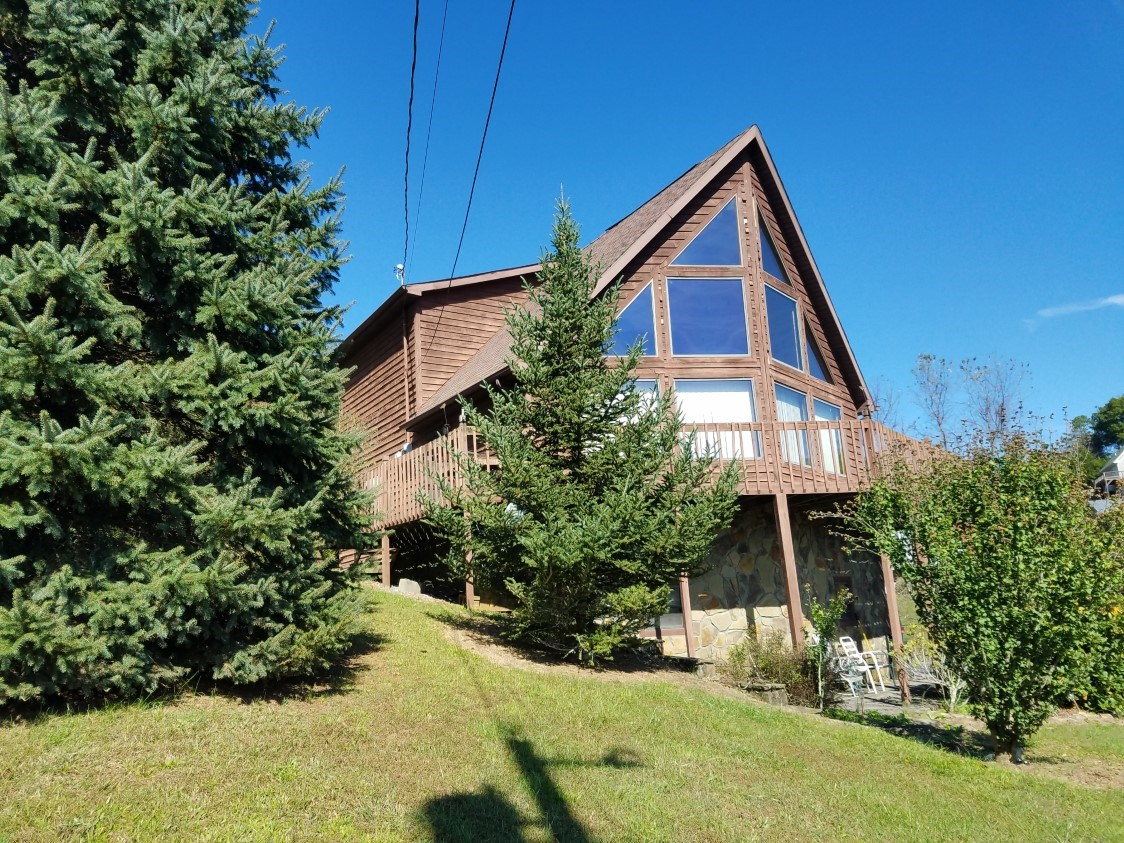 Lakefront A-frame Home For Sale In Abingdon VA