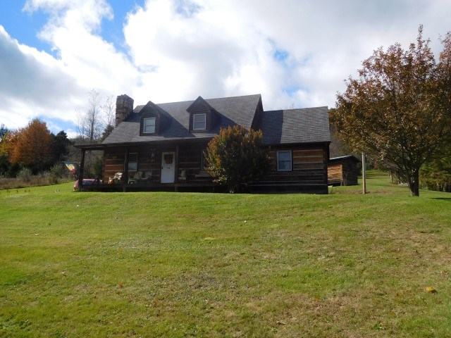 Log Home For Sale in Franklin, WV