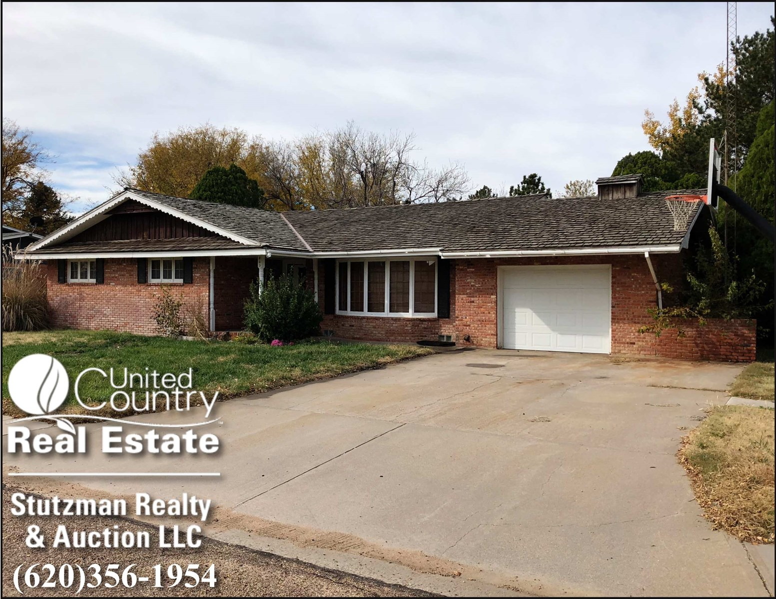CHARMING BRICK HOME FOR SALE IN ULYSSES, KANSAS