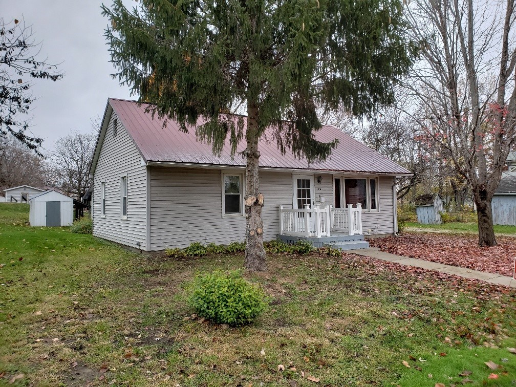 Affordable Home For Sale in Keosauqua, IA
