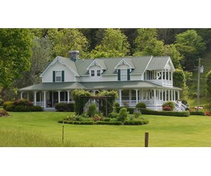 Luxurious Victorian Home & 200 Acres for Sale in East TN