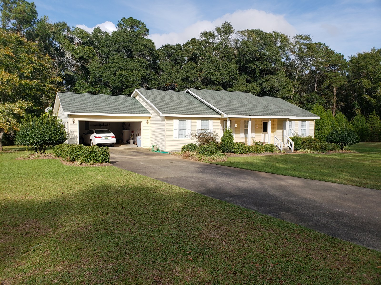 HOME ON 3.41 ACRES ON CREEK FOR SALE HARTFORD, ALABAMA