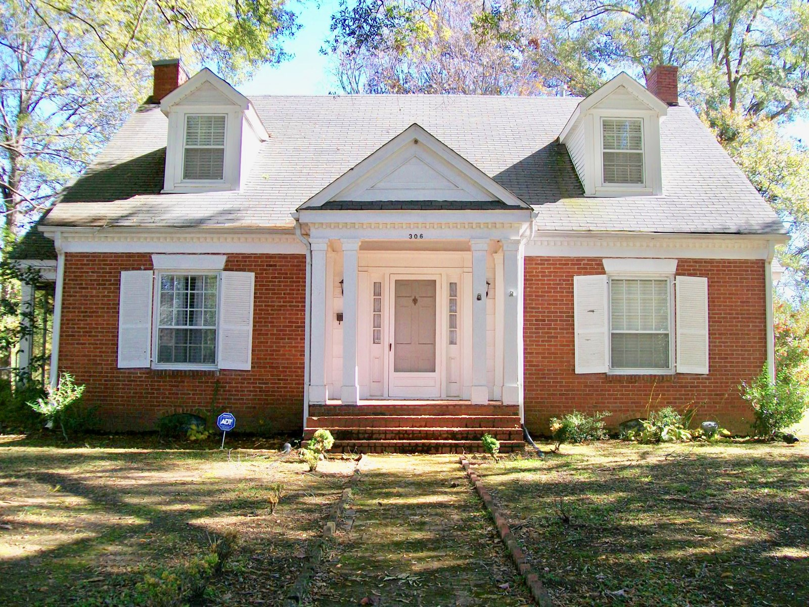Charming Older Home for sale in Bolivar, TN