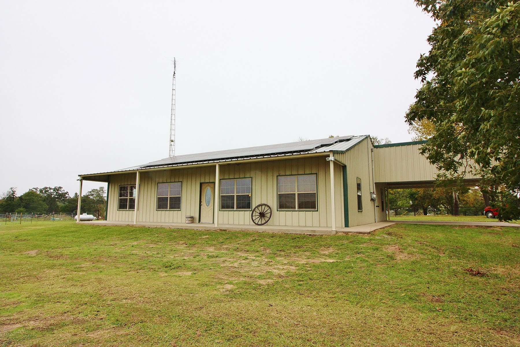 Country Home on Acreage For Sale in Teague, TX, Freestone Co