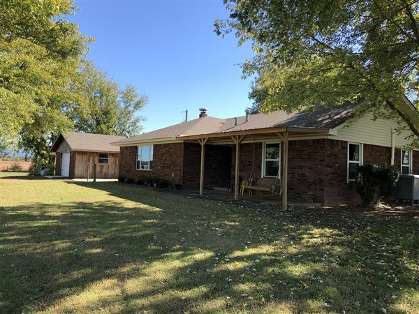 FOUR BEDROOM COUNTRY HOME WITH ACREAGE FOR SALE POTEAU, OK