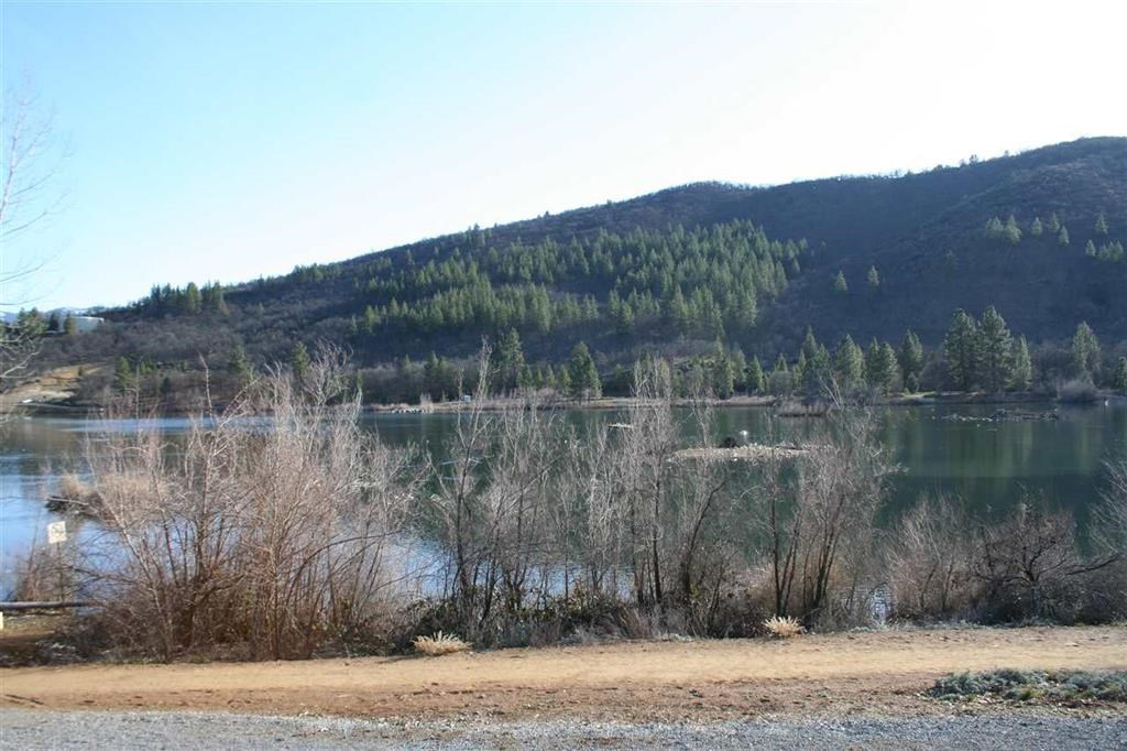 Land in Yreka, California