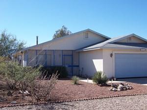 HOME WITH ACREAGE NEAR SIERRA VISTA, AZ