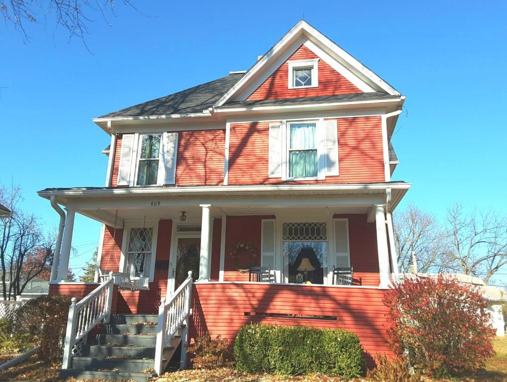 MISSOURI HISTORIC HOME, MARYVILLE, MO 4 BEDROOM HOME