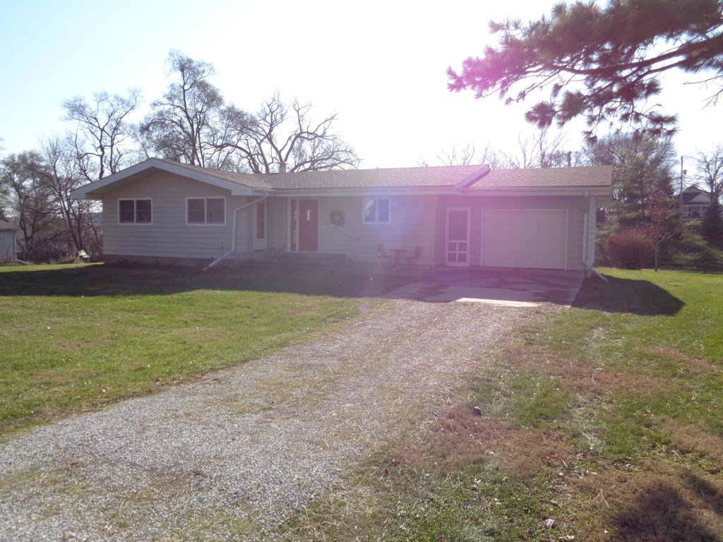 For Sale 3 Bed/2 Ba Logan Iowa Large Lot close to downtown