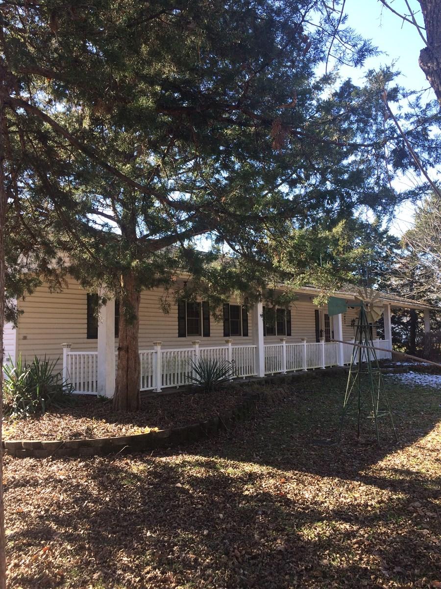Home for sale in Moran, Kansas
