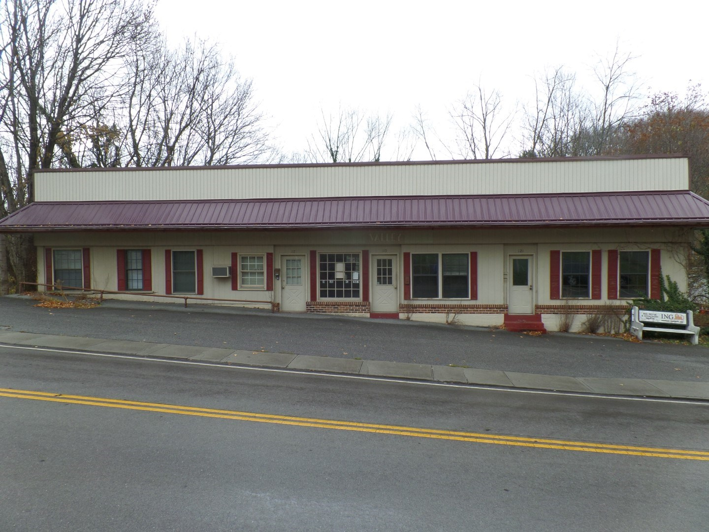 Multi-Use Building Near Main Street, Tazewell, VA