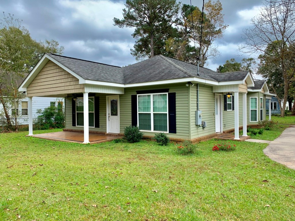 2B/2B HOME ON N. MERRITT ST. FOR SALE IN GENEVA, AL