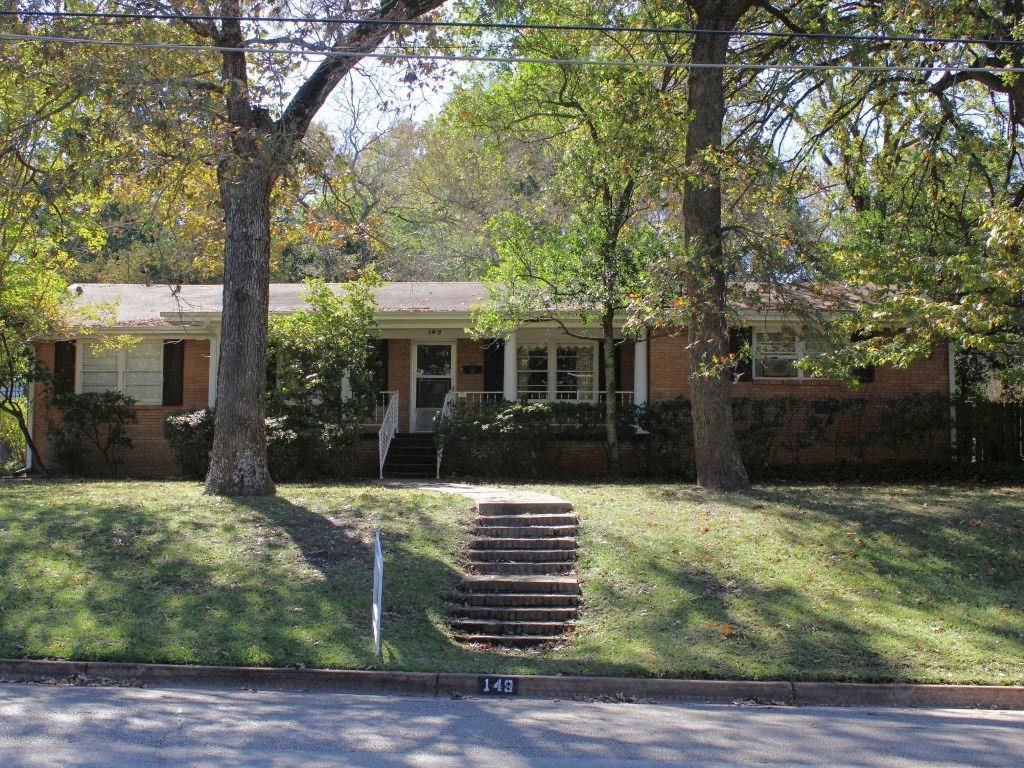 WELL MAINTAINED HOME FOR SALE PALESTINE TX
