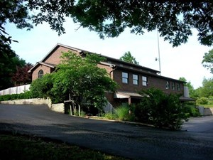 COMMERCIAL BUILDING FOR SALE IN THE HEART OF THE OZARKS.