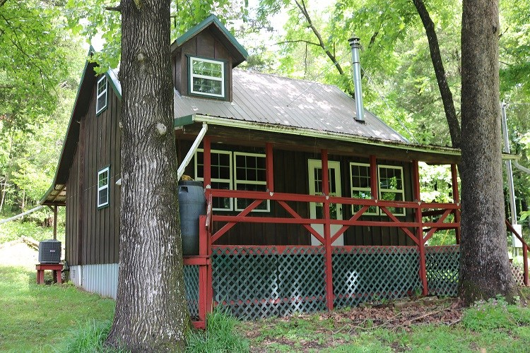 CABIN ON CLEAR MOUNTAIN CONOE STREAM WITH 6.67 ACRES