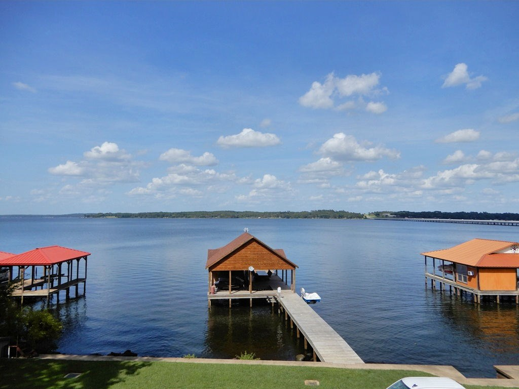 WATERFRONT LOT FOR SALE LAKE PALESTINE W/ BOATHOUSE!