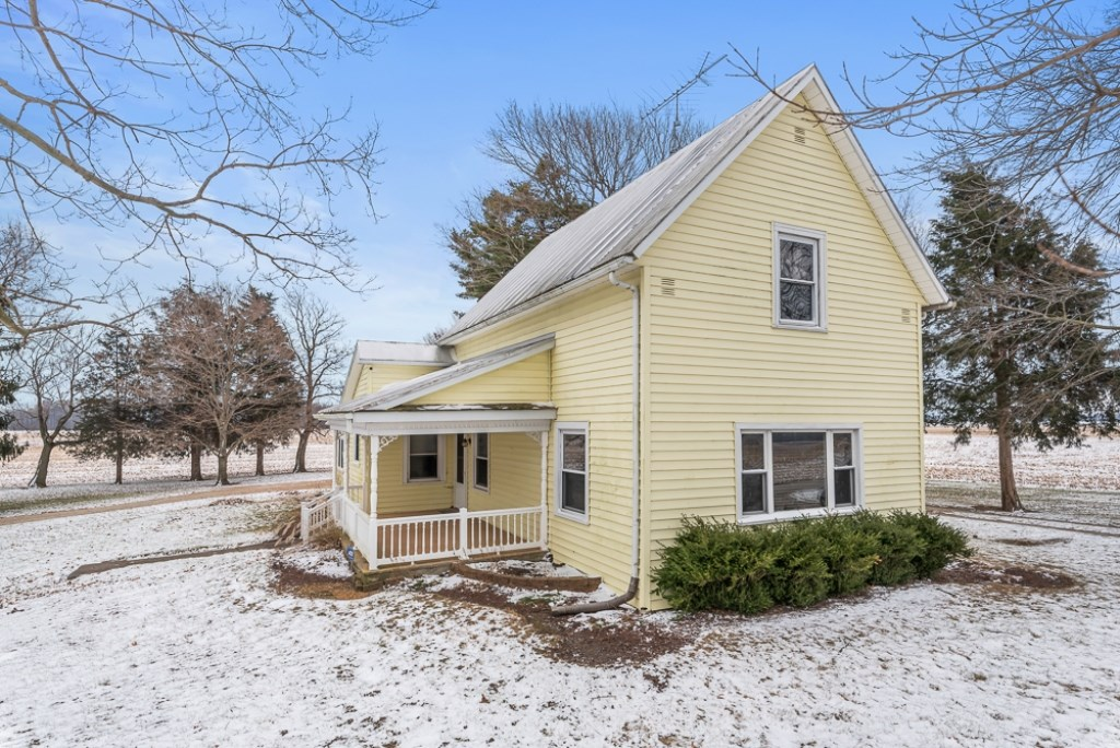 Country Home for Sale Winchester, Indiana