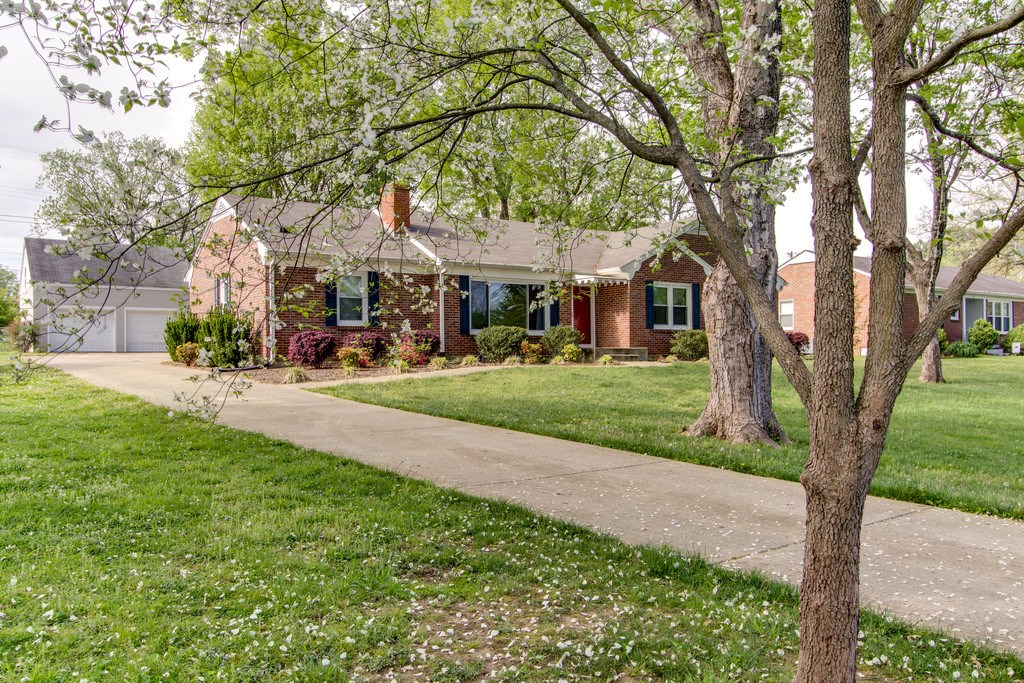 Ranch Brick Home in W Haven Sub, Maury County, Columbia, TN